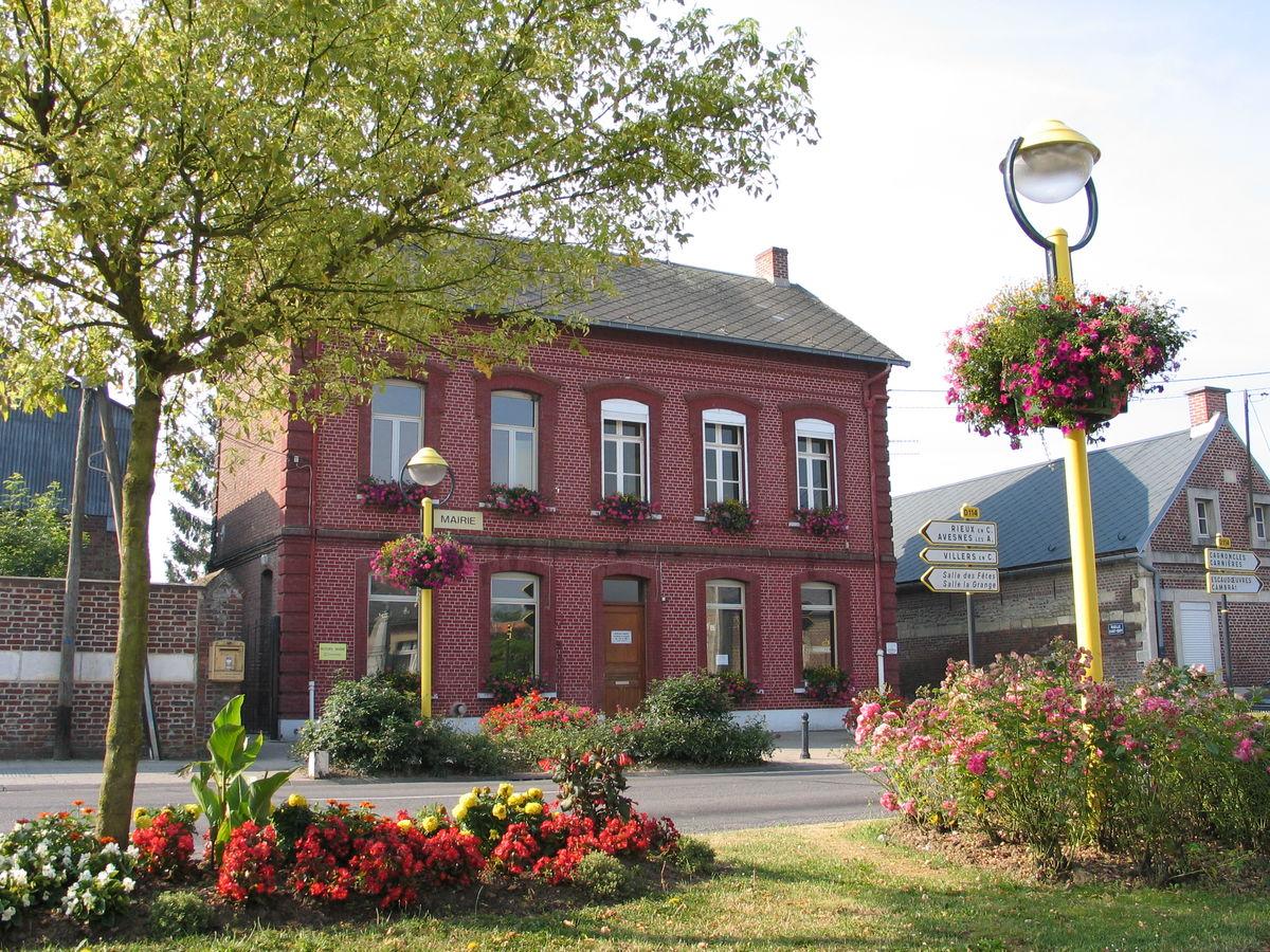 commune de Naves centre social AJR